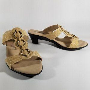 Tender Tootsies Beige Crocodile Embossed Sandals